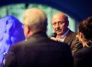 Integrationsbeauftragter Martin Neumeyer beim Podiumsgespräch