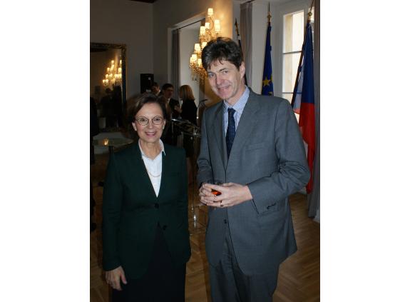 Staatsministerin Emilia Müller im Gespräch mit dem Deutschen Botschafter in Prag