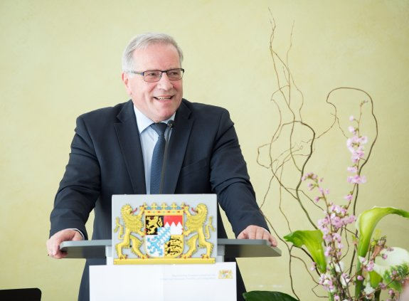 Staatsekretär Johannes Hintersberger am Rednerpult