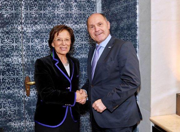 Ministerin Müller mit Innenminister Sobotka